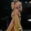 86145_Celebutopia-Carrie_Underwood_performs_at_the_Idol_Gives_Back_2008_Arrivals-_0007.jpg