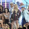 11991738-6897741-Triumphant_return_Carrie_Underwood_kicked_off_her_song_Southboun-a-2_1554710360607.jpg
