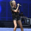 Carrie-Underwood---Performing-on-the-Pyramid-Stage-at-Glastonbury-Festival-06.jpg