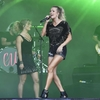 Carrie-Underwood---Performing-on-the-Pyramid-Stage-at-Glastonbury-Festival-18.jpg