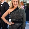 Carrie-Underwood-Black-Gown-2019-ACM-Awards_28629.jpg