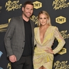 Carrie-Underwood-Mike-Fisher-2018-CMT-Music-Awards0.jpg