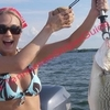 Carrie-Underwood-Striper-fishing-20.jpg