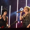 Carrie-Underwood-and-Joan-Jett_TA_362.jpg