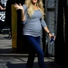 Carrie-Underwood-at-Jimmy-Kimmel-Live--02.jpg