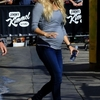 Carrie-Underwood-at-Jimmy-Kimmel-Live--03.jpg