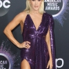 Carrie-Underwood-purple-eyeshadow-side-swept-blonde-hair.jpg