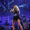 Carrie-Underwood_-Apple-Music-Festival-performance--09.jpg