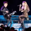 Carrie-Underwood_-Performing-at-Resorts-World-Arena-01.jpg