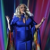 Chris-Stapleton-Carrie-Underwood-light-up-2018-CMAs.jpg