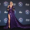 carrie-underwood-american-music-awards-in-la-november-24-28-pics-12.jpg