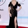 carrie-underwood-at-2018-american-music-awards-at-microsoft-theater-in-los-angeles-11.jpg