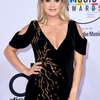 carrie-underwood-at-2018-american-music-awards-at-microsoft-theater-in-los-angeles-5.jpg