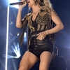 carrie-underwood-at-2019-cma-music-festival-day-2-in-nashville-8.jpg