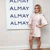 carrie-underwood-at-almay-healthy-glow-beauty-day-in-new-york-january-19-2017_420093136.jpg