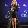 carrie-underwood-attends-the-press-romm-during-52nd-annual-cma-awards-at-the-bridgestone-arena-in-nashville-tennessee-141118_3.jpg
