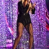 carrie-underwood-brings-down-the-house-with-emotional-performance-of-cry-pretty-at-cmt-music-awards-3.jpg