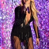 carrie-underwood-brings-down-the-house-with-emotional-performance-of-cry-pretty-at-cmt-music-awards.jpg