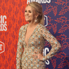 carrie-underwood-cmt-award-2019-red-carpet-a-billboard-1548~0.jpg