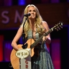 carrie-underwood-grand-ole-opry-90rg-birthday-bash1.jpg
