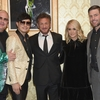 carrie-underwood-mike-fisher-support-sean-penn-haitian-relief-organization-08-1.jpg