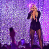 carrie-underwood-performs-at-2018-cmt-music-awards-in-nashville-2018-06-06-04.jpg
