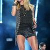 carrie-underwood-perfprms-at-cma-festival-day-3_6.jpg