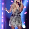 carrie-underwood-standing-on-a-stage__922340_.jpg