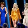 carrie-underwood-yellow-diamond-ring-cma-awards.jpg