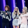 rs_1024x759-191113190209-634-reba-mcentire-dolly-parton-carrie-underwood-cmas-show-2019.jpg